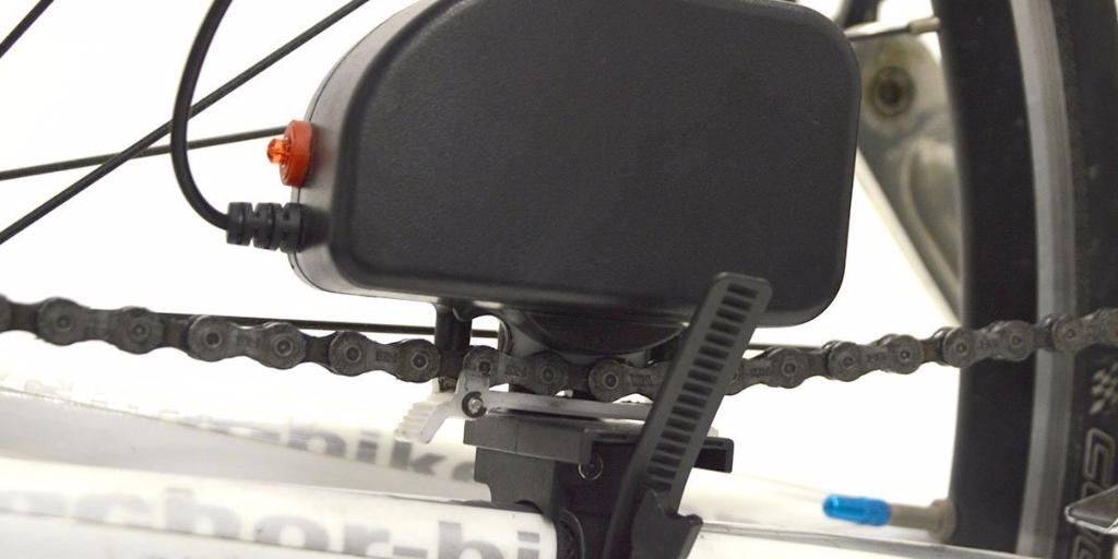 ロードバイクで自家発電!?スマホ充電可能なUSBダイナモチャージャー